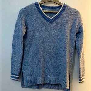 Abercrombie kids sweater 9/10